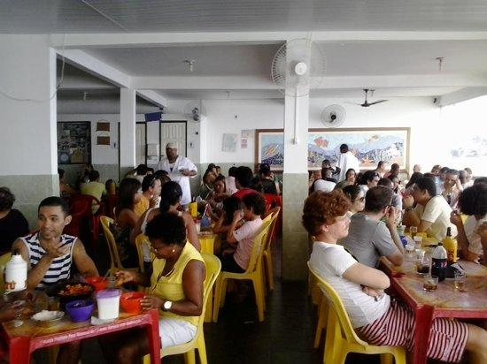 Boca de Galinha: Restaurante lotado
