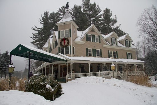 Bernerhof Inn Bed and Breakfast: Welcome to our Warm Friendly Inn...we're here to make this a great stay!