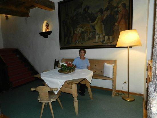 Hotel Weißes Kreuz: salon comedor