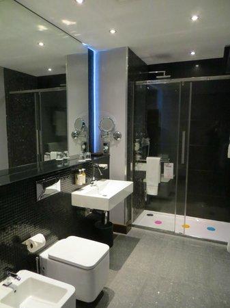 Rafayel on the Left Bank - Hotel & Spa: Bathroom