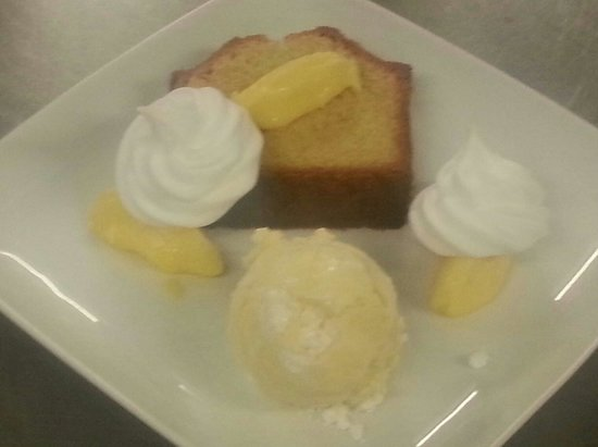 The Star Inn: Maderia cake, lemon curd, baby merangues and lemon merangue ice cream!!