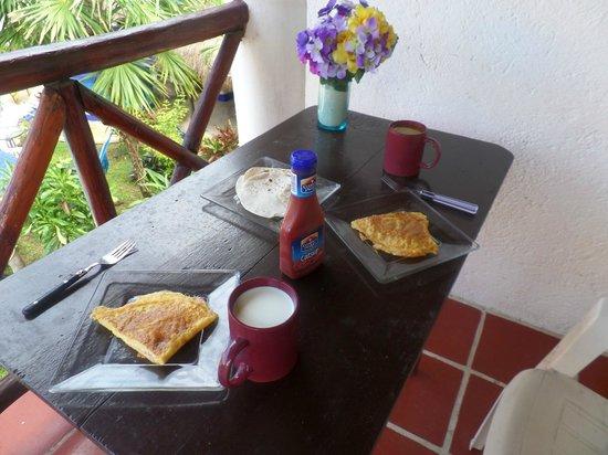 El Acuario Hotel: Tiene todo para cocinar, un rico desayuno
