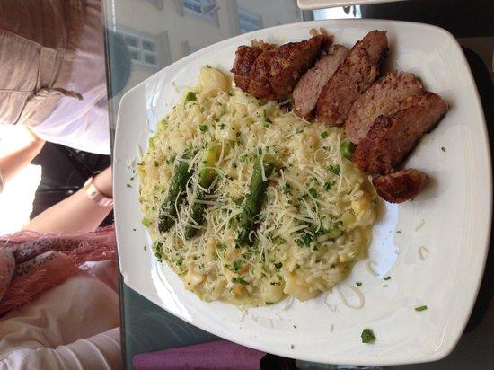 Osteria Pronto da Salvo: Hmmmm Spargel mit Reis und italienische Wurst ;)