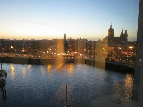 DoubleTree by Hilton Hotel Amsterdam Centraal Station: View from the lounge of the room