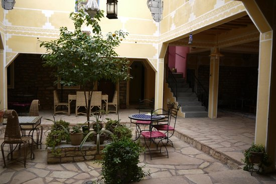 Kasbah Imini: Central courtyard