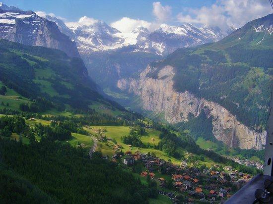 Residence & Bernerhof Hotels: View from Wegen of Lauterbrunnen Valley
