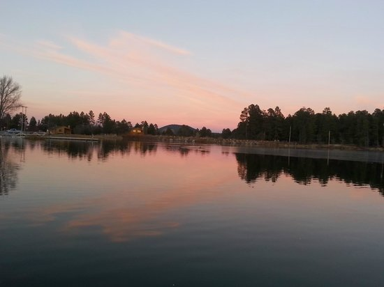 Rainbow Lake Resort: Another beautiful sunset from the dock....
