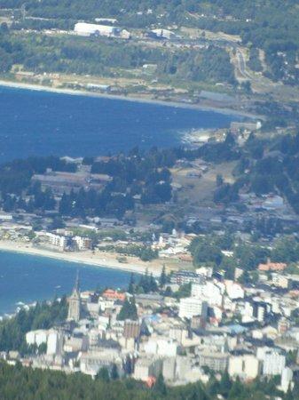Cerro Otto: vista desde la confitería del centro de Bariloche (con zoom)