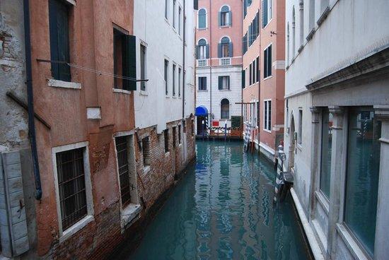 Palace Bonvecchiati : entrée bateau