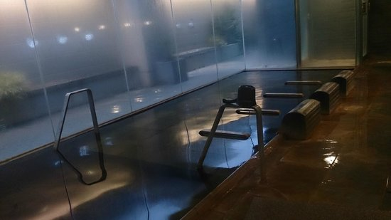 Dormy Inn Kanazawa : 使い勝手の悪い浴槽