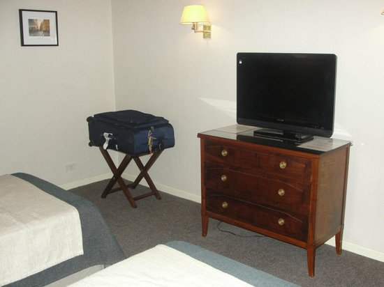 Lafayette Hotel: TV a cabo