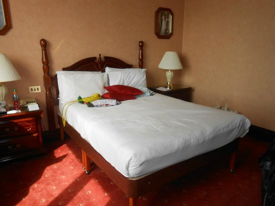 Britannia International Hotel : Bed
