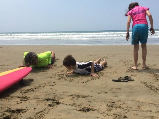Balsa Surf Camp: learning how to stand up