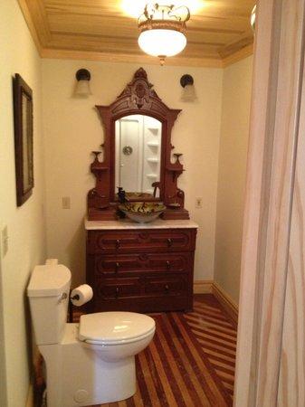 Sheriff Sartwell Mansion: deSmeth Quarters Bathroom