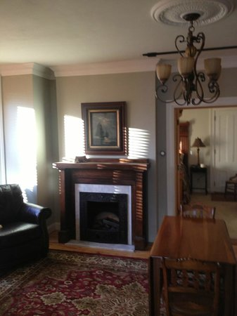 Sheriff Sartwell Mansion: deSmeth Quarters Fireplace-Great Room