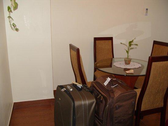 Hulhule Island Hotel: chairs