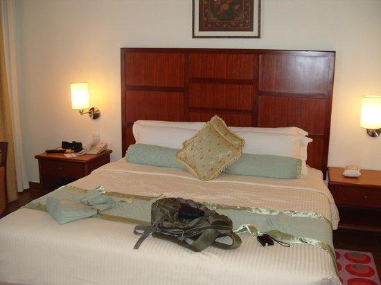 Hulhule Island Hotel: main bedroom