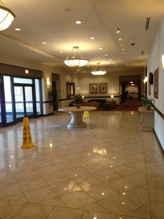 Wyndham Glenview Suites Chicago North: Foyer/hallway. Conference rooms on right
