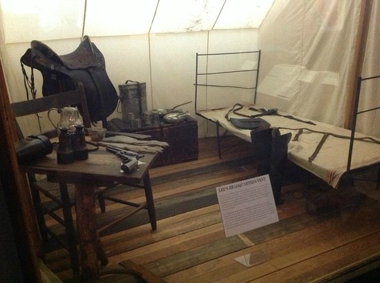 The White House and Museum of the Confederacy: General Lee's headquarter's tent