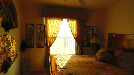 Dreamkatchers Lake Powell Bed & Breakfast: Asian room