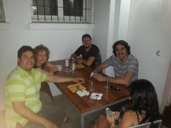 Hostal Providencia: churrasco da sexta para reunir a turma