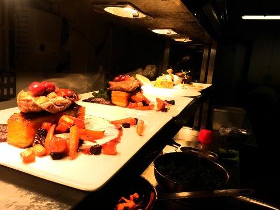 Browns Bar & Dining: P