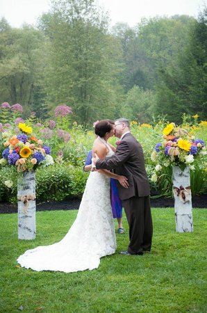 Woodstock, VT: Beautiful back drop for our first kiss as husband and wife