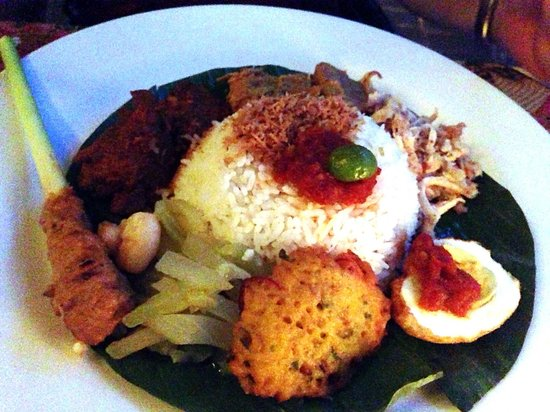 Poppies Restaurant: Nasi Campur