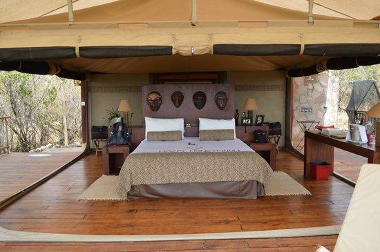 Mara Bushtops : Buffalo tent