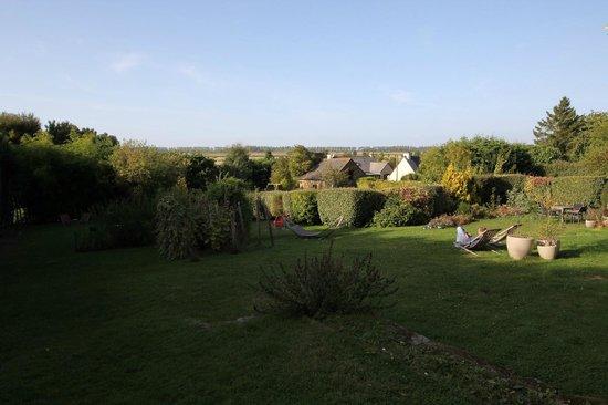 Ferme Saint Christophe: The back garden at Ferme St Christophe.