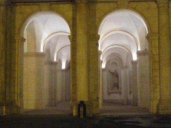 Palais Barberini : Colonnade at palace entrance