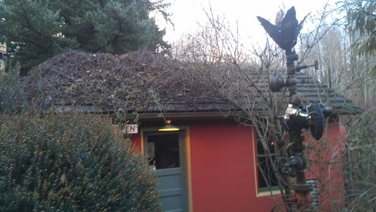 McMenamins Edgefield: The red shed, bring a cigar!