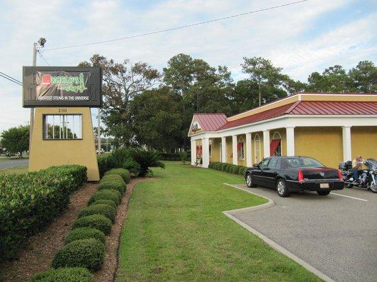 Grand Atlantic Ocean Resort : Angelo's Restaurant front porche