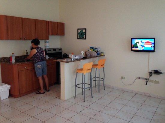 Suenos del Mar: Kitchen