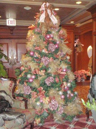 Prince of Wales : Christmas tree.