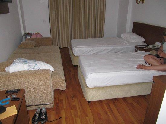 Eftalia Aqua Resort: Si vous devez aller au wc la nuit bonne chance pour passer