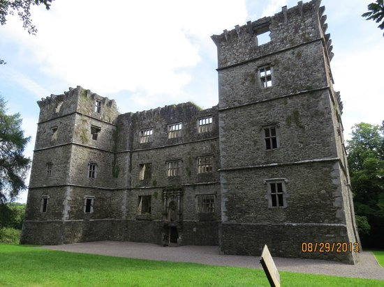 Glenlohane's town castle, Kanturk Castle. Beautiful!