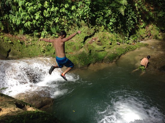 PPP Tran Tours Jamaica: Blue Hole!