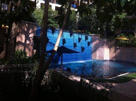 Novotel Phuket Kata Avista Resort and Spa: Lower pool