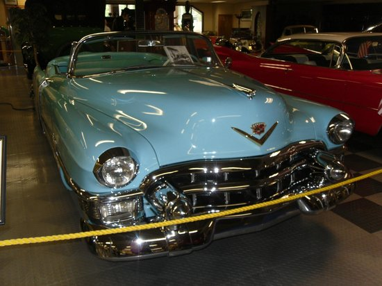 Tallahassee Antique Car Museum: Cadillac convertible