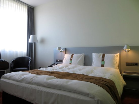 Holiday Inn Bern-Westside: Cuarto