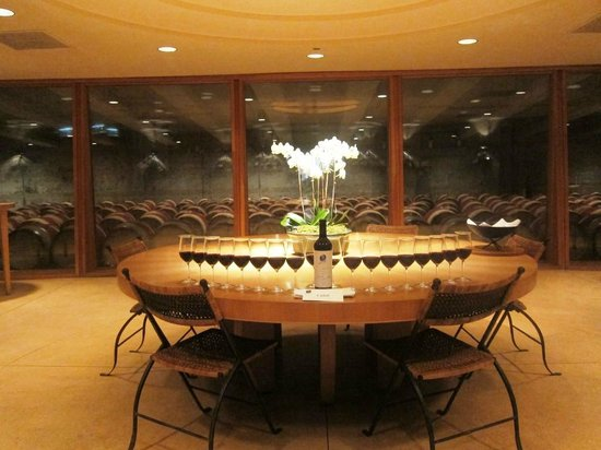 Opus One Winery: Just a gorgeous sight :)