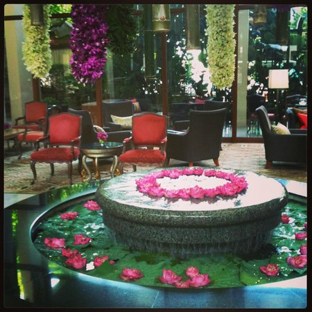 Mandarin Oriental, Bangkok: Reception displays