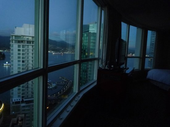 Vancouver Marriott Pinnacle Downtown Hotel : Room with a VIEW!