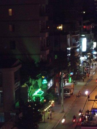 Hoang Hai (Golden Sea) Hotel: View from my balcony
