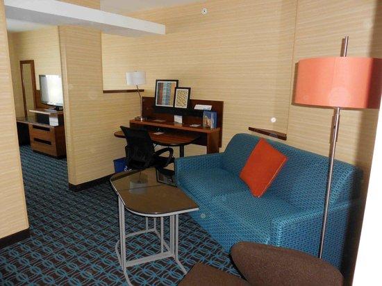 Fairfield Inn & Suites Watertown Thousand Islands : Spacious Washroom 02