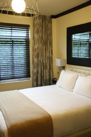 Lincoln Arms Suites: bedroom