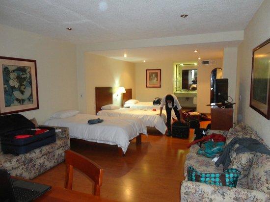 Exe Suites San Marino: Quarto