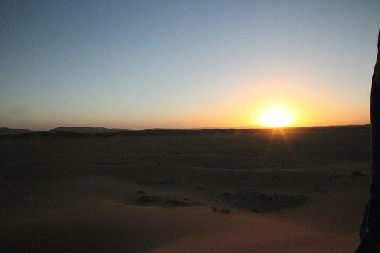 Auberge  Derkaoua: the sun fades rapidly