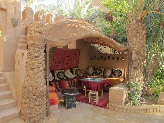 Auberge  Derkaoua: outdoor dining